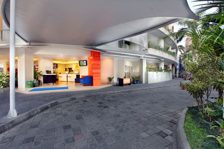 entrance everyday smart hotel