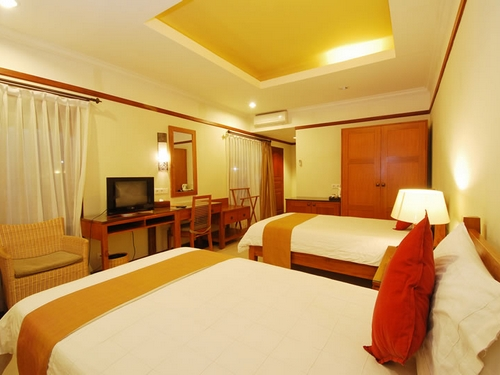 Yulia Beach Inn Hotel Super Deluxe Room Twin Bed