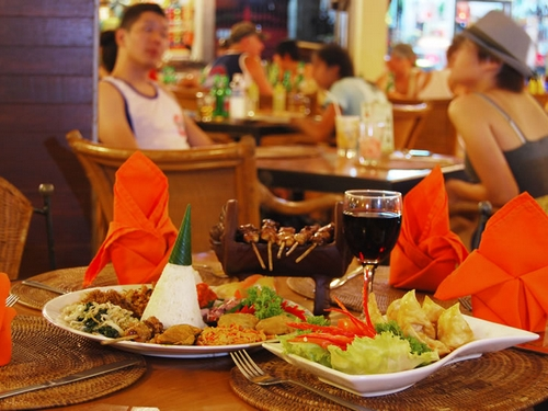 yulia beach inn hotel restaurant