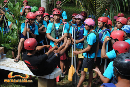 safety briefing ayung rafting