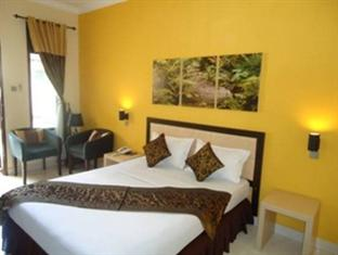 green kayon resort and spa solo standard room